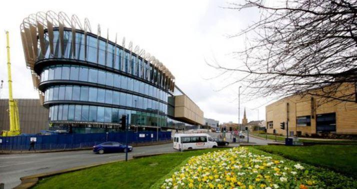 Đại học Huddersfield chú trọng nhiều đến các hoạt động ngoại kháo