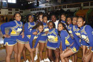 Đội cổ vũ thể thao của trường Cao đẳng Monroe
