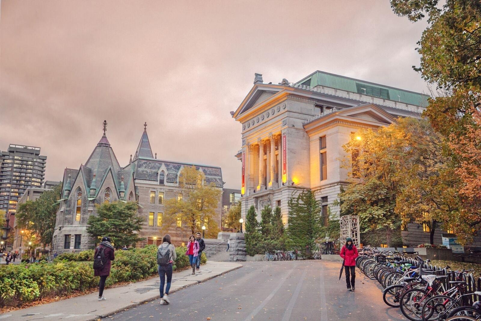 Du học Canada miễn phí